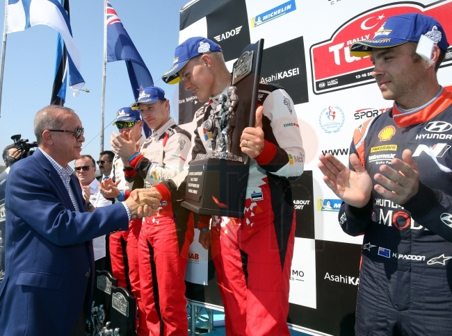 WRC Rally Turkey winner receiving congratulations from the President Erdogan